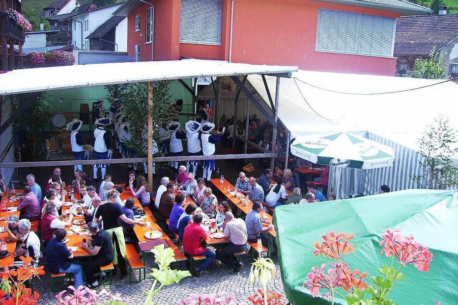 Dorfplatz Mambach - Zell im Wiesental