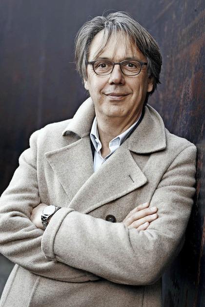 Massimo Rocchi blickt im Theater Fauteuil �ber den Schweizer Tellerrand - Badische Zeitung TICKET