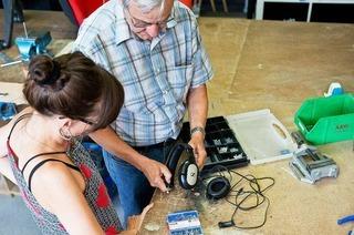 Reparieren statt Wegwerfen – Repair-Caf�s helfen dabei
