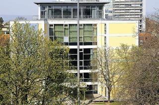 Rektoratsgebäude am Fahnenbergplatz