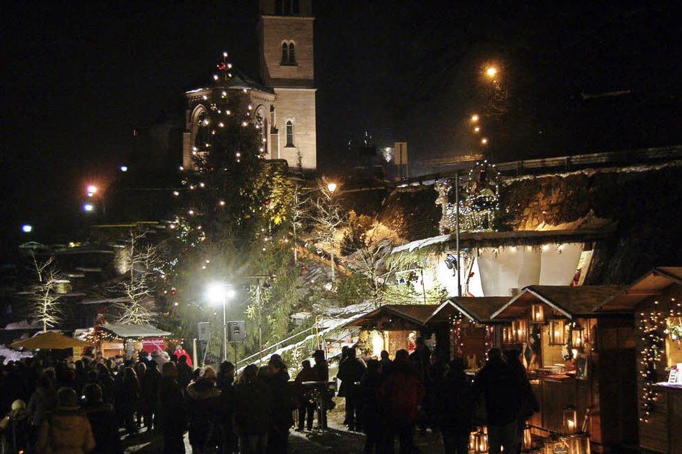 Weihnachtsmarkt Laufenburg.Altstadtweihnacht Grenzüberschreitender Weihnachtsmarkt In Beiden