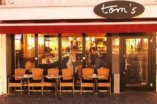 Tom's
