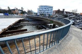 Zeitplan der Kronenbrücke in Freiburg bröckelt