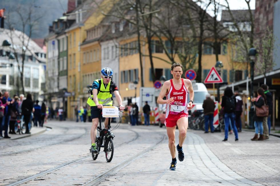 13. Freiburg-Marathon: Benedikt Hoffmann stellt Streckenrekord ein - Badische Zeitung TICKET