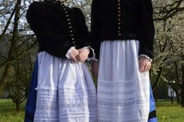 Glottertal: Trachtenn�herinnen halten Tradition lebendig