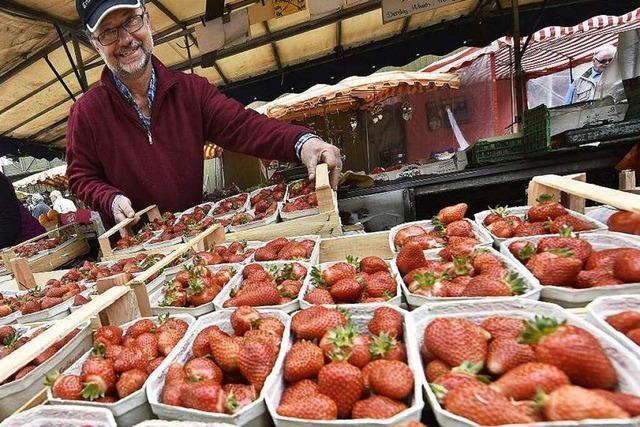 Im Mai ist auf dem Münstermarkt Hochsaison für Erdbeeren und Spargel