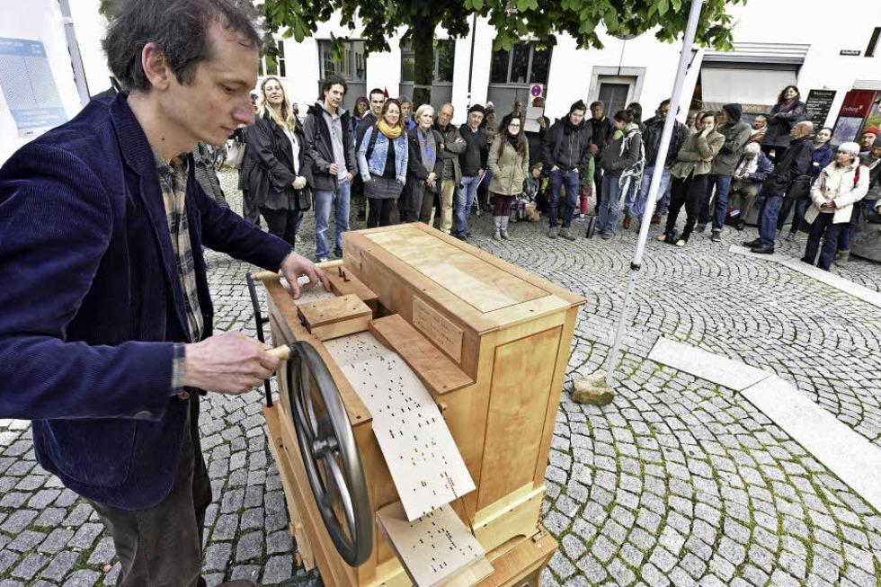 Kunstfestival an mehr als 40 Orten im gesamten Stadtgebiet - Badische Zeitung TICKET
