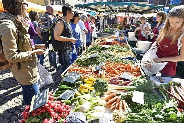 Im Juli biegen sich die Marktstände unter der allerleckersten Last