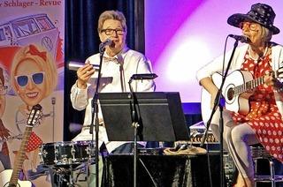 Gabriele und Alexander Nuss: Duo Bellevue bringt mit Himbeereis und flotter K�fer eine Nostalgieshow auf die B�hne