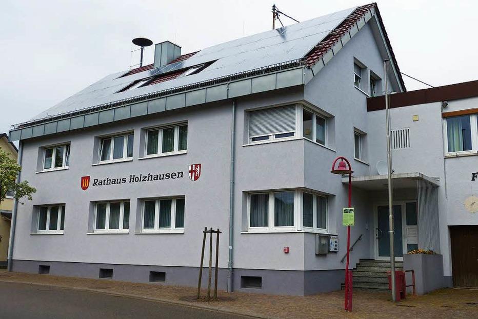 Rathaus Holzhausen (Bürgerbüro) - March