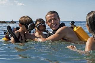 Lambert Wilson über seiner Rolle als Jacques-Yves Cousteau, Väter und Haie