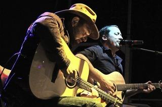 Daniel Kiefer und Marc Mayer in der Pur Pur Bar in Müllheim