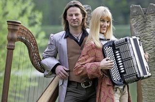 Andy Lang und Christine Schneider treten im Schloss Beuggen in Rheinfelden auf