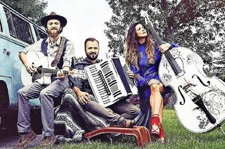 Megitza Trio ist im Café Verkehrt in Murg-Oberhof zu Gast