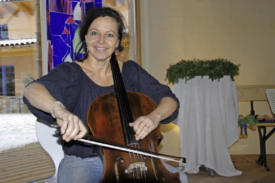 40 Cellisten im komplexen Zusammenspiel - Badische Zeitung TICKET