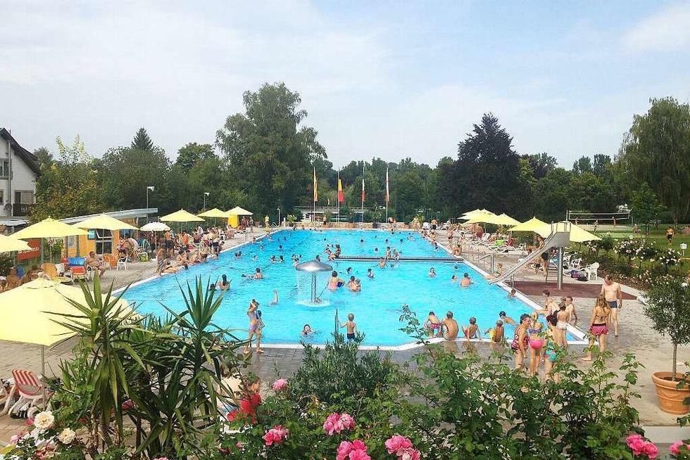 Schwimmbad - Ettenheim