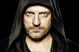 Techno-DJ-Legende Sven Väth hinter dem Plattenteller