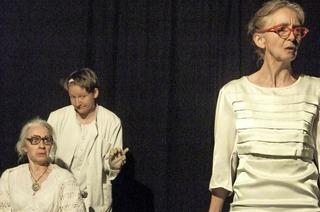 Das Freiburger Institut für Theaterpädagogik präsentiert Szenen einer Reise durch 14 Welten