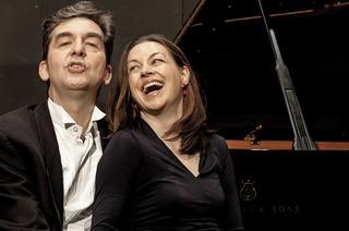 Konzert mit Nina Amon und Mihai Grigoriu in der Aula der Wentzinger Schulen