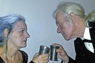"""Das Theater 1098 präsentiert das Stück """"Dinner für eine"""" im Artjamming-Café"""