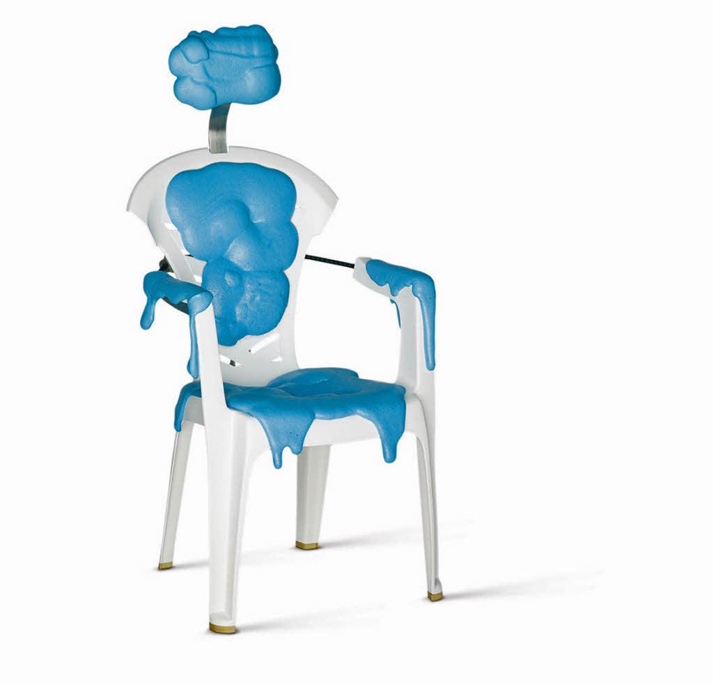 ausstellung monobloc ein stuhl f r die welt im vitra schaulager in weil am rhein badische. Black Bedroom Furniture Sets. Home Design Ideas