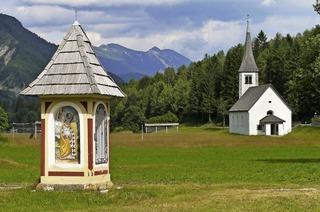 Sigrid und Rudolf Donauer zeigen Bilder von ihrer Reise durch Slowenien