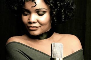 """One Moment In Time"" mit Nya King als Whitney Houston in Schopfheim"