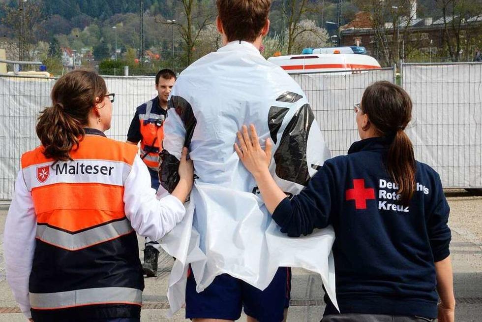 9265 Läufer, 210 Rettungshelfer: Blick ins Behandlungszelt - Badische Zeitung TICKET