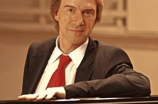 Mit Burkard Schliessmann an der Jehmlich-Orgel in Titisee-Neustadt