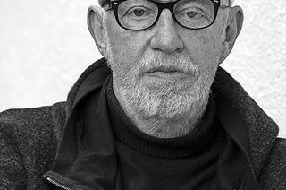 """Rolf Frei mit """"Lug und Trug - 50 Jahre Fotografie"""" in der Weiler Stadtbibliothek"""