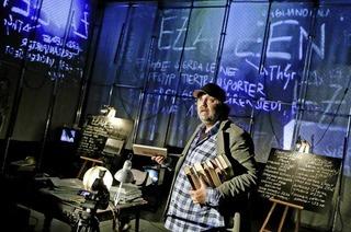 """Schauspiel Dortmund mit """"Schwarze Flotte"""" im Werkraum Schöpflin in Lörrach-Brombach"""