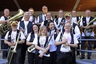 Quartierfest der Stadtmusik Lörrach mit volkstümlicher Unterhaltung der t Zeller Wildsaumusik