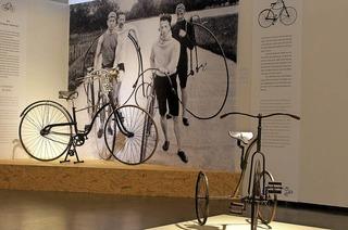 """Siegert Kittel im Lörracher Dreiländermuseum mit """"Immer diese Radfahrer"""""""