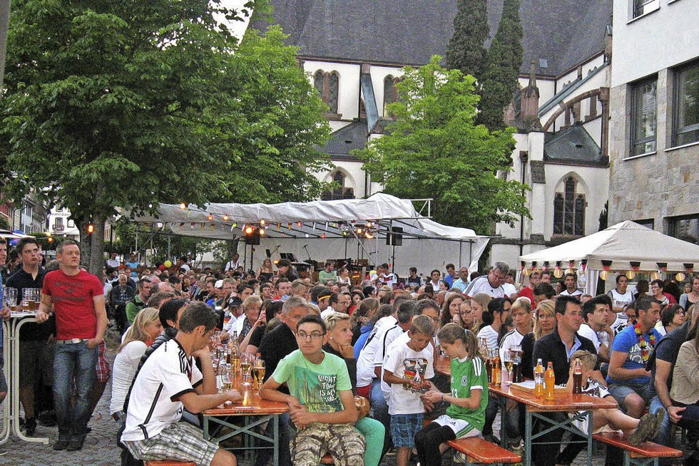 Rathausplatz - Schönau