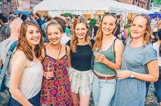 Fotos: Tausende feiern beim Freiburger Weinfest