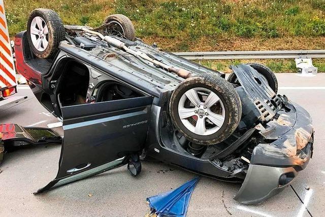 Rettungskräfte bei Unfall auf A5 mit einem Toten massiv behindert