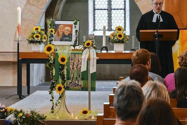 Trauer um getötete Mutter und ihren Sohn in Teningen