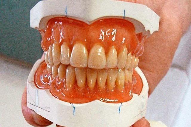 Mann sucht in Rheinfelden seine dritten Zähne
