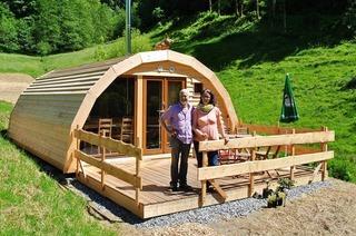 In Wolfach können Feriengäste im Holz-Iglu übernachten