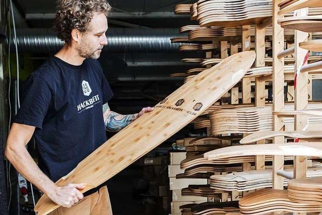 Freiburger Manufaktur baut Longboards aus Naturmaterial
