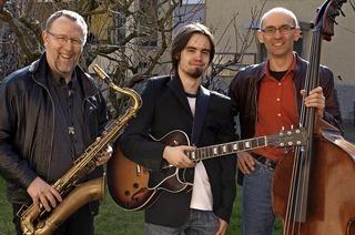 Lehrer der Jugendmusikschule musizieren in Titisee-Neustadt