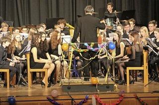 """Jugendblasorchester Waldkirch, Vorstufenorchester der Musikschule Waldkirch und Hornensemble """"Hornissimo"""" in Waldkirch-Kollnau"""