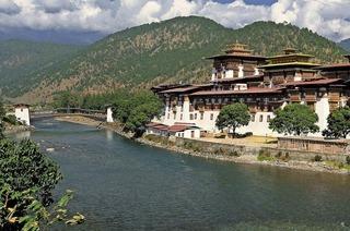 """Stefan Erdmann zeigt im Cineplex Lörrach seinen Live-Filmvortrag """"Bhutan"""""""