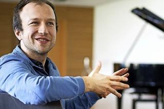 """Pianist Bogdan Vaida gastiert in der Reihe """"Klassik mittendrin"""" in der Kulturscheune Rabe in Kleinkems"""