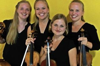 Ann Sophie Brehm (Violine), Katharina Jäckle (Violine), Clara Jäckle (Viola) und Karolin Spegg (Violoncello) in Hinterzarten