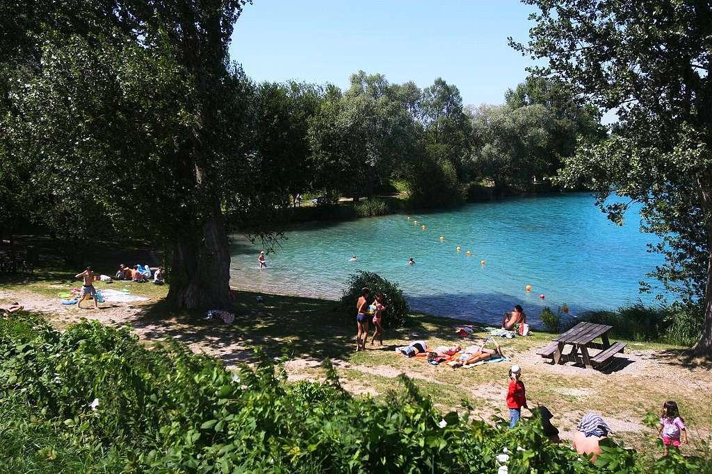 Baggersee wyhl badische zeitung ticket for Freiburg piscine
