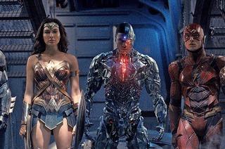 "Jeremy Irons über ""Justice League"", Humor und Trump"