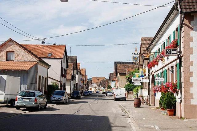 Restaurant-Weinhotel Adler (Königschaffhausen)