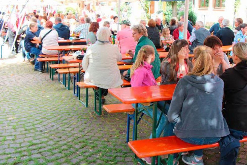 Dorfplatz Wagenstadt - Herbolzheim