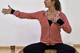 Solidarisch Yoga machen